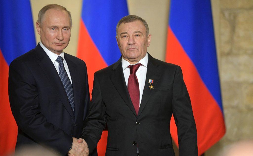 Президент России Владимир Путин присвоил Аркадию Ротенбергу звание Героя труда РФ