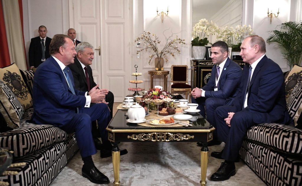 Владимир Путин посетил штаб-квартиру МФД