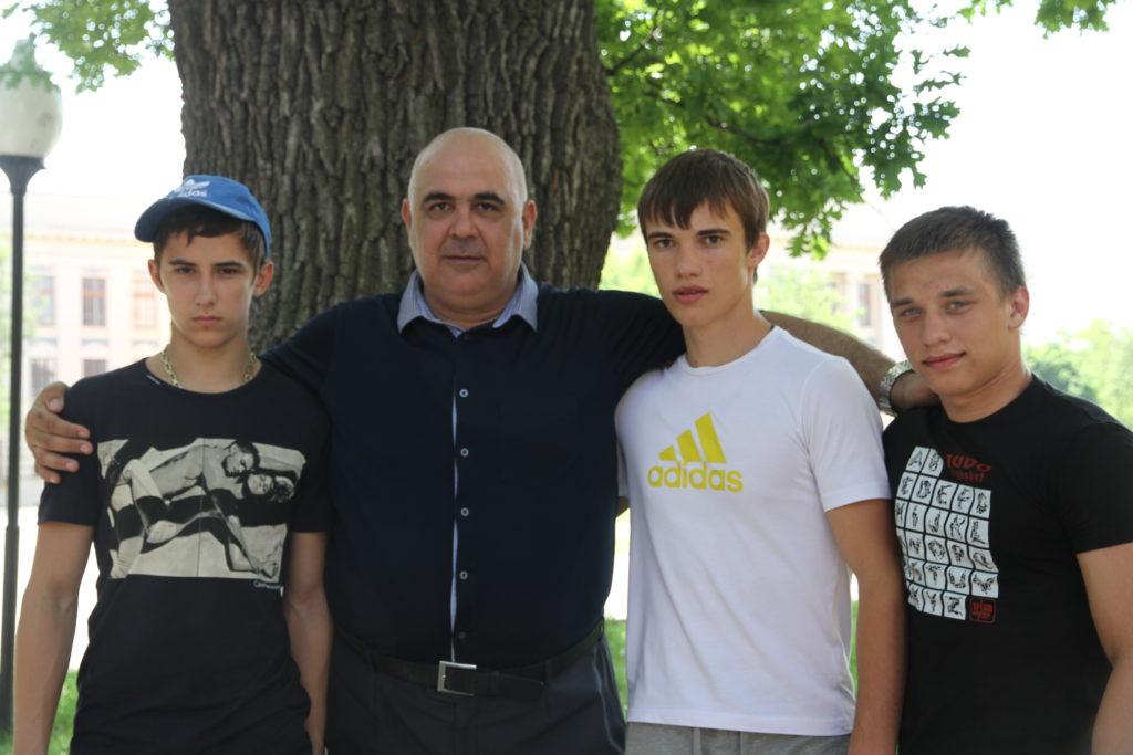 Апет Варданян с учениками