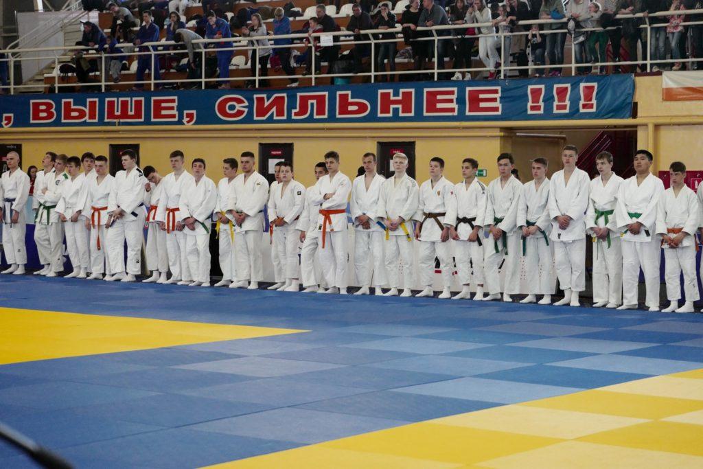Участники всероссийских соревнований юноши до 18 лет